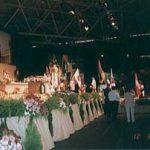 各国の国旗の奉献